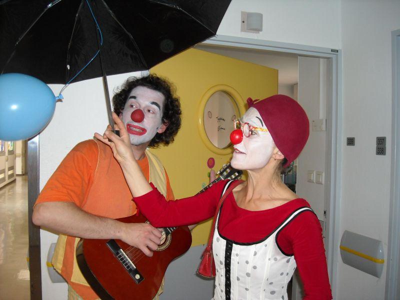clownslhpital001.jpg